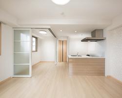 高殿タウンビル  大阪府/住居施設/2015のサムネイル